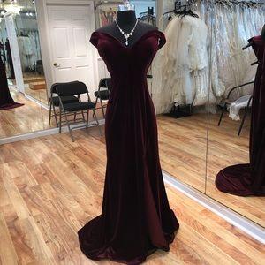 Dresses & Skirts - Long formal burgundy velvet gown.